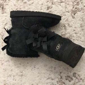 Kids Black UGG boots Bailey Bow size 12 toddler